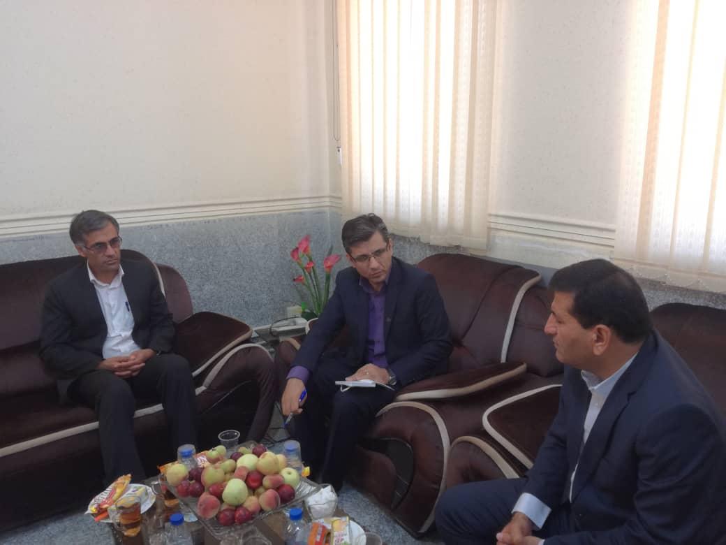 نشست صمیمی فرماندار با مدیر شبکه بهداشت و درمان کهگیلویه